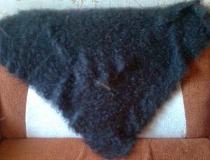 https://novohopersk-platok.ru/ Серый пуховый платок ручной работы.Коймы ажурные вязанные одним полотном с платком( отдельно вязанные коймы только при машинной вязке). Мягкий, теплый,легкий,нежный, пушистый. Пуховый платок на голову,на шею,на плечи разных размеров и узоров.